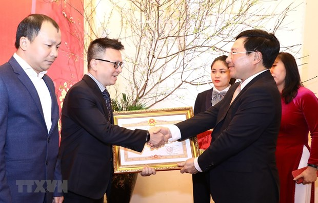 Foreign minister hails journalists' contributions to external activities hinh anh 2