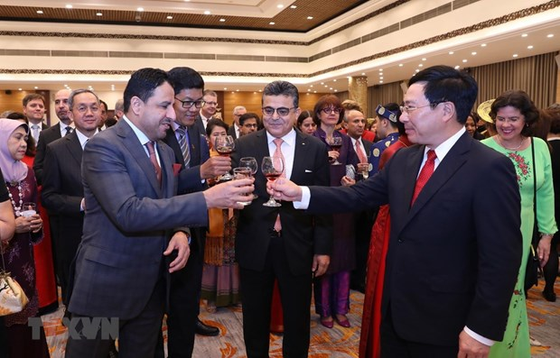 Tet gathering held for diplomatic corps in Hanoi hinh anh 1