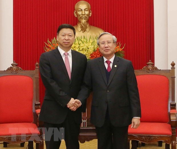 Vietnam, China should develop stable ties together: Party official hinh anh 1