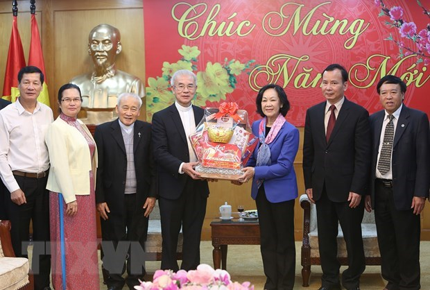 Party's mass mobilisation head receives Catholic leader hinh anh 1