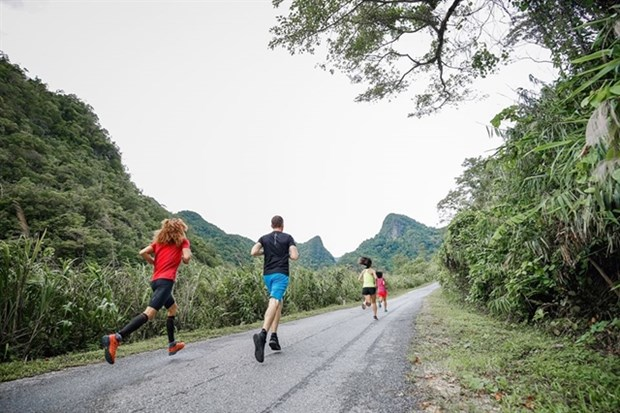 Quang Binh Marathon a chance to discover Vietnam's world heritage hinh anh 1
