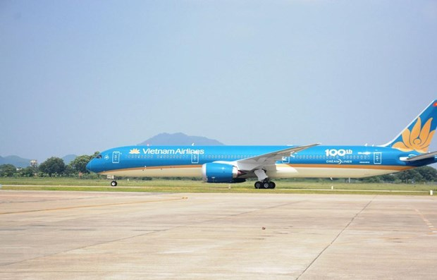 Vietnam Airlines deploys self-service kiosks hinh anh 1