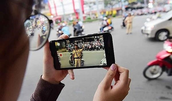 Citizens allowed to film traffic police from January 15 hinh anh 1