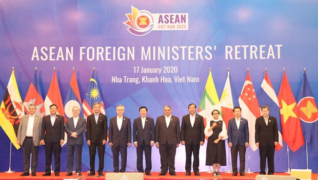 ASEAN 2020: ASEAN Foreign Ministers' retreat hinh anh 1