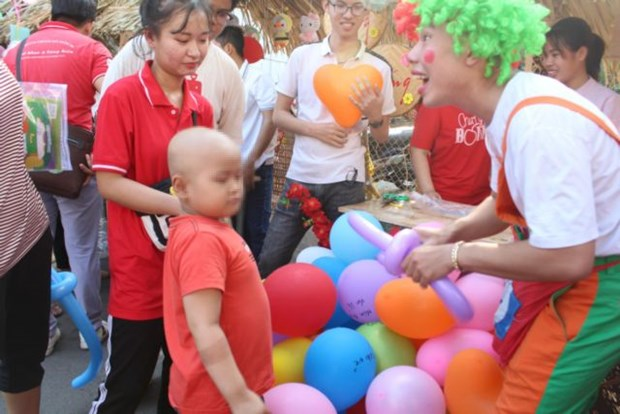 Hospitals create a joyous Tet for patients hinh anh 1