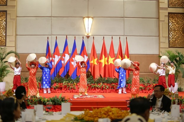 Vietnamese expats in Cambodia gather for Tet celebrations hinh anh 1