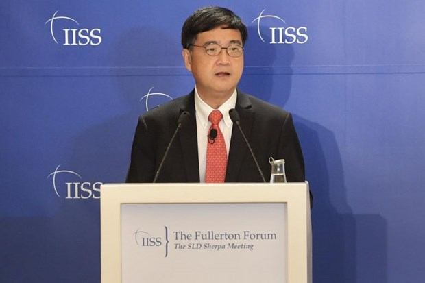 Vietnam attends Fullerton Forum in Singapore hinh anh 1