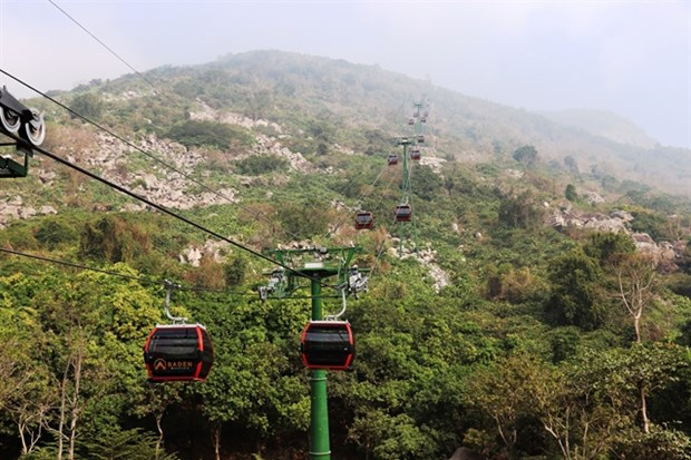 New cable car at Ba Den Mountain launched hinh anh 1