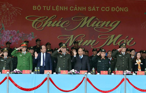 PM inspects combat readiness of mobile police force hinh anh 1