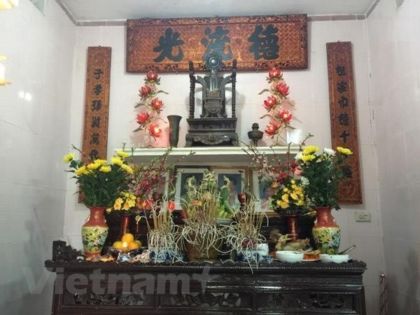 Ancestor worship reminds people of their roots hinh anh 1