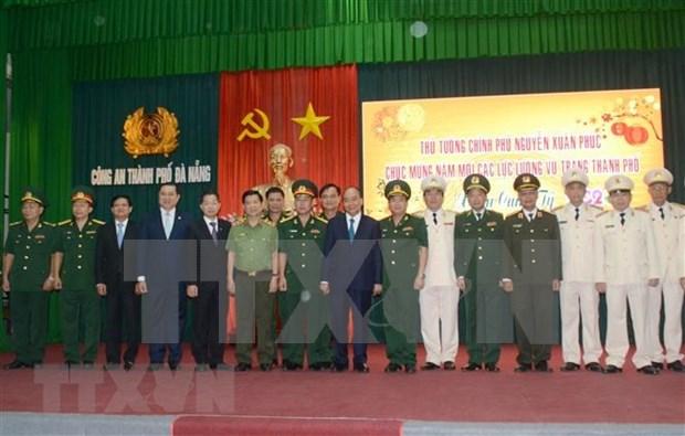 Prime Minister Nguyen Xuan Phuc makes New Year visit to Da Nang hinh anh 2