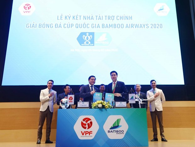 Bamboo Airways becomes sponsor of national football cup hinh anh 1
