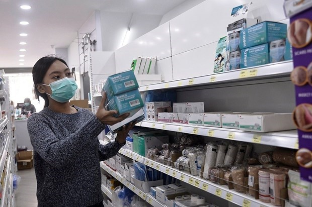 Thailand tightens control of face mask price hinh anh 1
