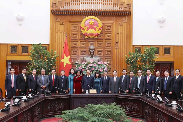 PM asks diplomats to promote economic cooperation hinh anh 1