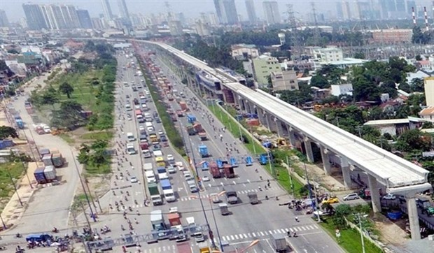 HCM City vows to speed up work on first metro line hinh anh 1
