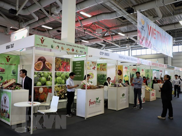 Vietnamese firms attend Fruit Logistica 2020 hinh anh 1