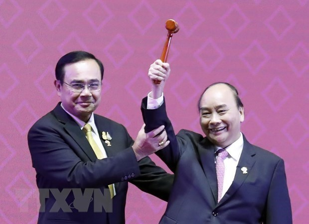Dual diplomatic responsibility offers rare opportunity for Vietnam hinh anh 1