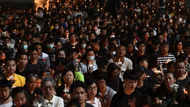 Vigil held for victims of Thailand mass shooting hinh anh 1
