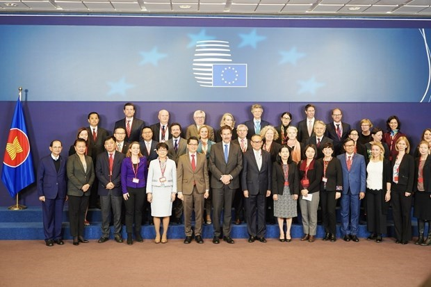EU, ASEAN reaffirm to boost comprehensive cooperation hinh anh 1