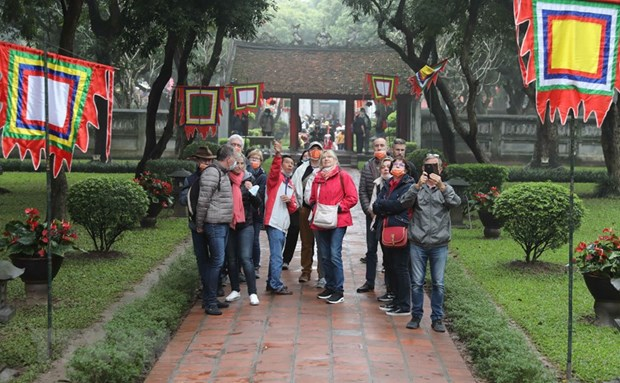 Hanoi gears up for tourist arrival surge in 2020 hinh anh 1