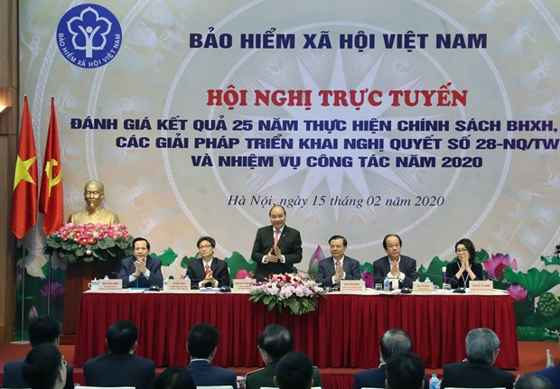 Prime Minister requires further expansion of social insurance coverage hinh anh 1