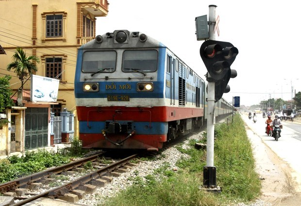 Gov't considers giving Vietnam Railways back to Transport Ministry hinh anh 1