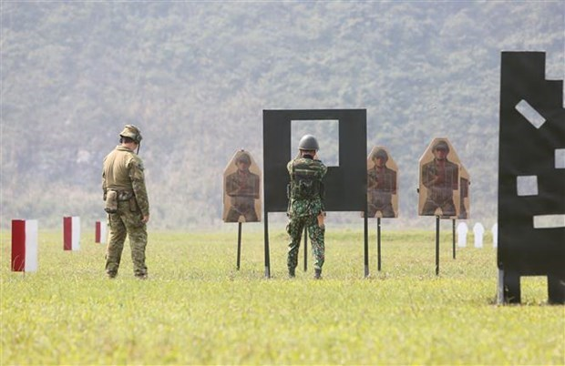 Vietnam-Australia course on service rifle shooting skills wraps up hinh anh 1