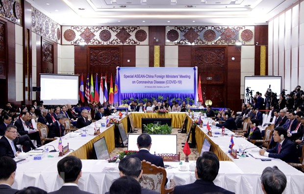 ASEAN, China enhance cooperation in response to COVID-19 hinh anh 1