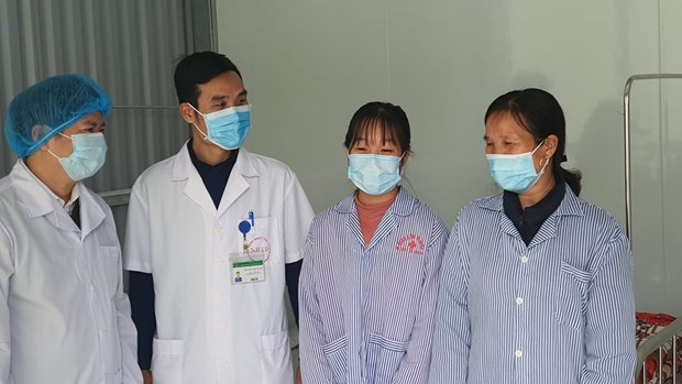 Two more COVID-9 patients discharged from hospital in Vinh Phuc hinh anh 1