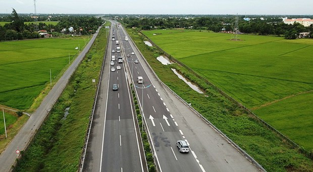 Transport Ministry asked to explain North-South Expressway delay hinh anh 1