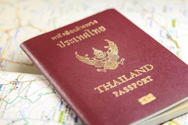 Thailand urges residents in China to fly back when they can hinh anh 1