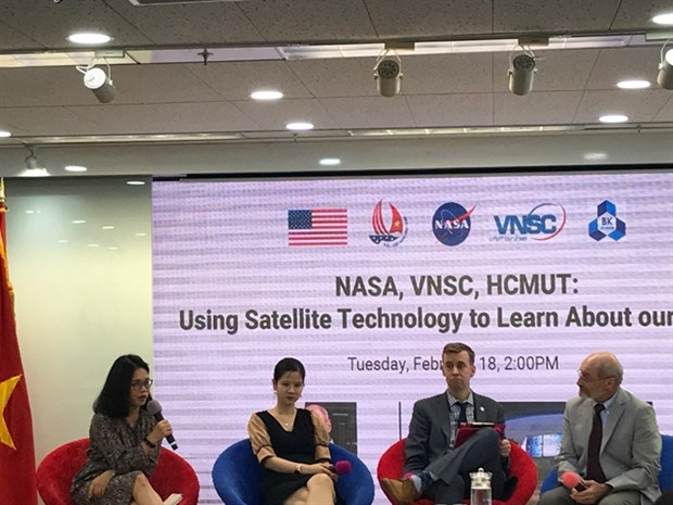 Vietnam, US cooperate in satellite observation hinh anh 1