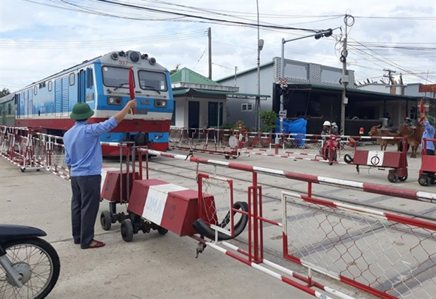 Train services derailed by funding chaos hinh anh 1