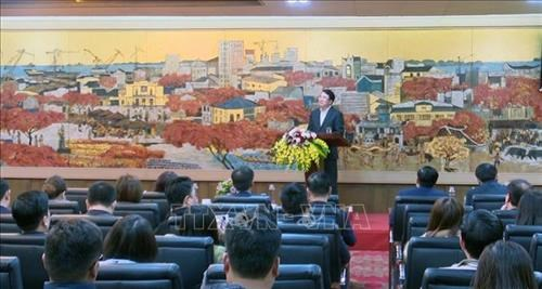 New working licenses for foreign labourers to be suspended hinh anh 1