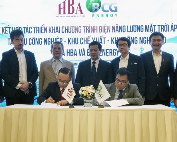 Over 1,000 firms in HCM City to develop rooftop solar power hinh anh 1