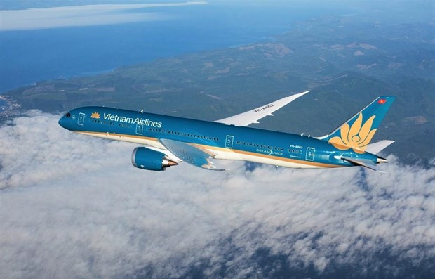 Vietnam Airlines restores some inflight services thanks to COVID-19 fight hinh anh 1