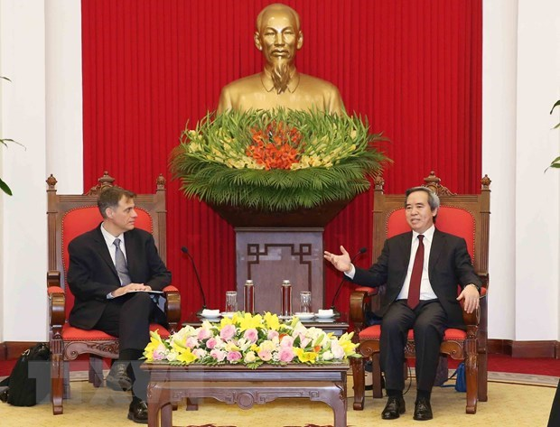 Party official receives US Deputy Assistant Secretary of Treasury hinh anh 1