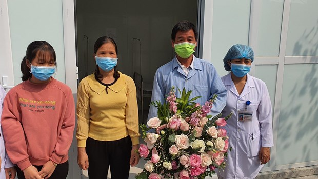 Last COVID-19 patient in Vietnam allowed to leave hospital hinh anh 1