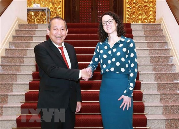 Deputy PM receives Germany's Hessen state minister hinh anh 1