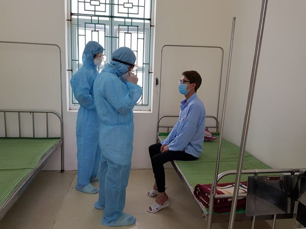 Localities asked to keep quarantining people from some coronavirus-hit countries hinh anh 1