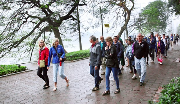 European, Oceania tourists to Hanoi on the rise hinh anh 1