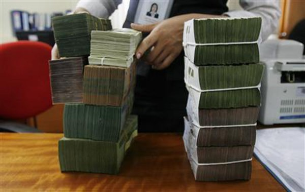 State budget collection tops 9.3 billion USD in two months hinh anh 1