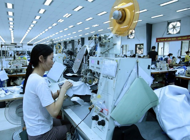 Vietnam's industrial production up 6.2 pct in two months hinh anh 1