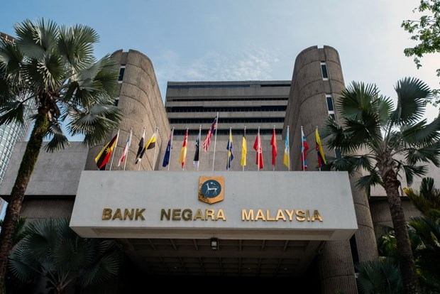 Malaysia lowers key interest rate to support economic growth hinh anh 1