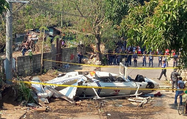 Philippines: Helicopter carrying senior police officers crashes hinh anh 1