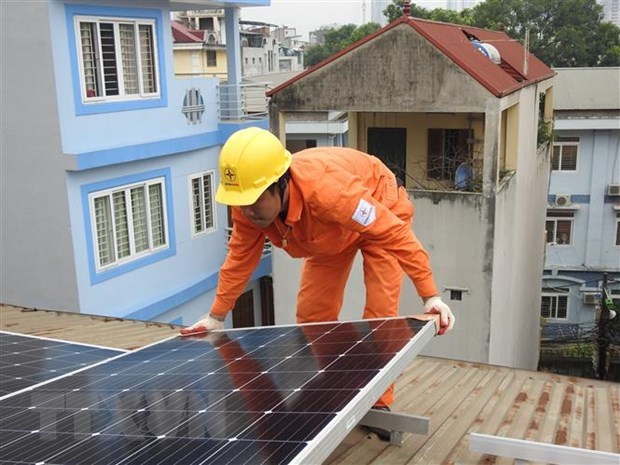 Vietnam operates 24,300 rooftop solar power projects hinh anh 1