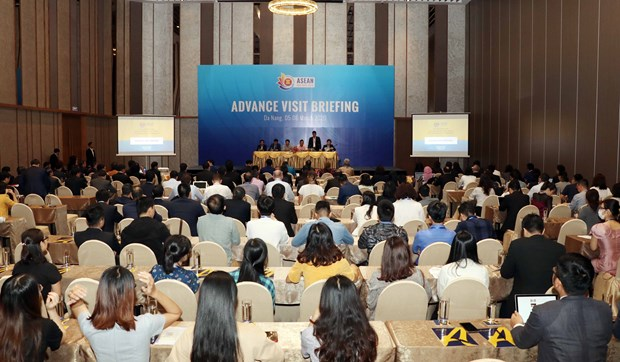 Officials inspect preparations for ASEAN summits in Da Nang hinh anh 1