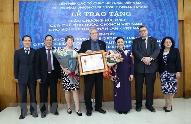 Friendship Order presented to Finland-Vietnam Friendship Association hinh anh 1