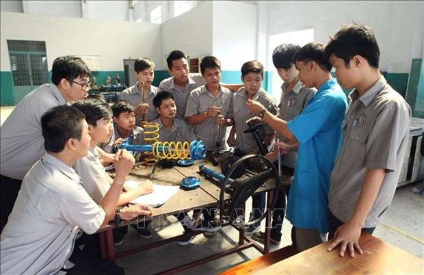 Vietnam should use unemployment insurance fund to train labourers hinh anh 1