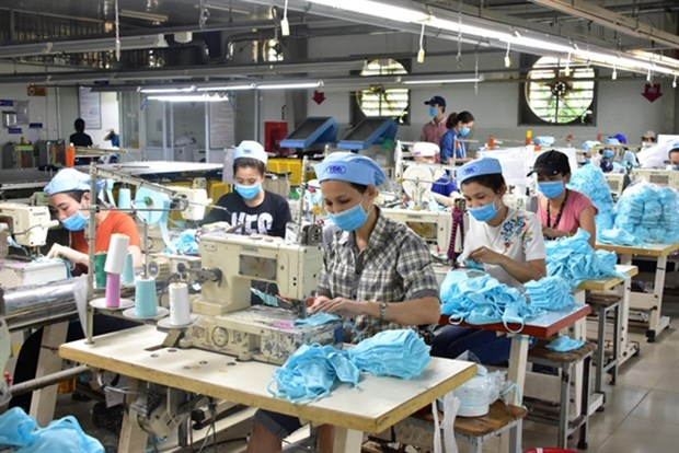 MoIT will continue support for businesses after epidemic: Minister hinh anh 1